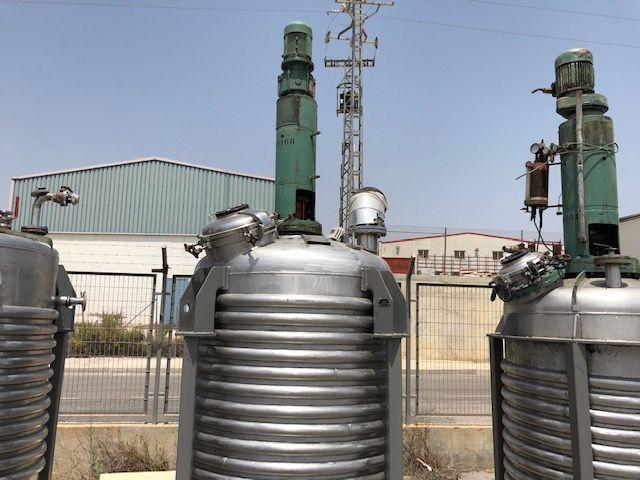 Reactor acero inoxidable con agitador capacidad 3.000 lts