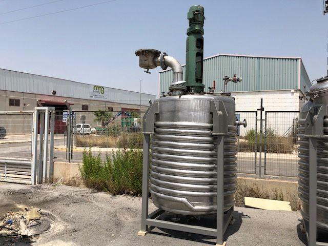 Reactor acero inoxidable para vapor con agitador capacidad 2.700 lts