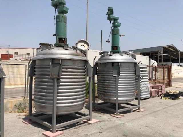 Reactor acero inoxidable para vapor con agitador capacidad 3.000 lts