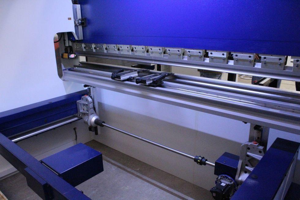 Plegadora hidráulica sincronizada