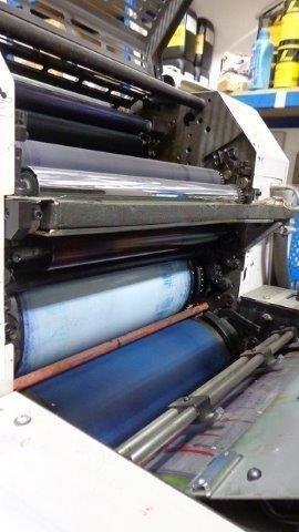 maquina offset dos colores