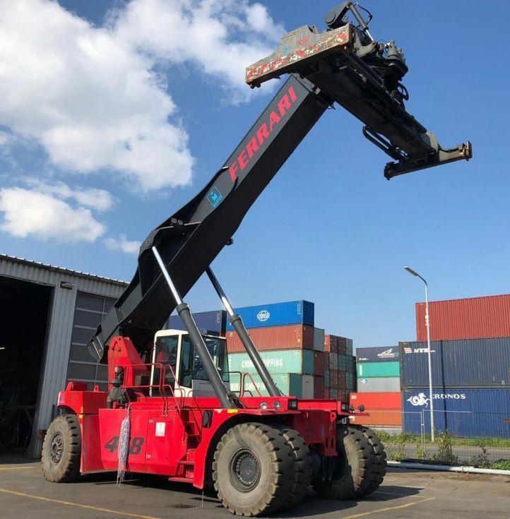 Reachstacker para contenedores pesada