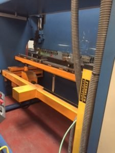 Plegadora electrónica Ferry PPE-CNC 3080 sincronizada a 4 ejes