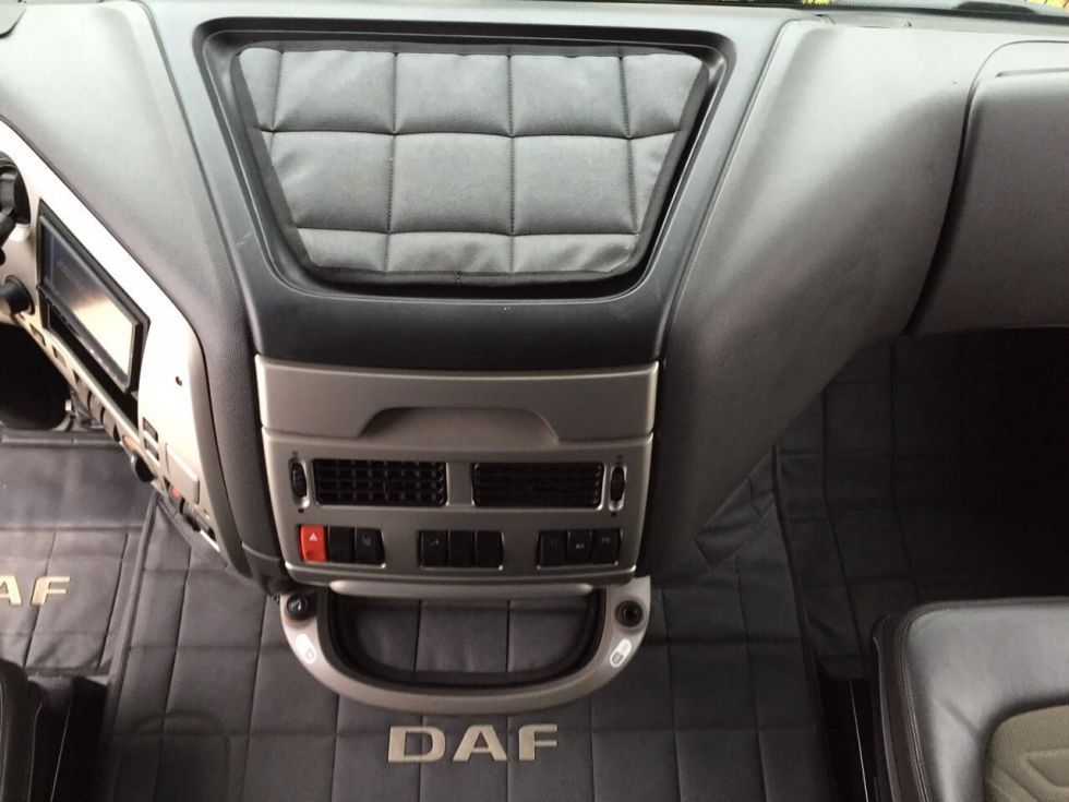Tarjeta de transporte y Daf xf 105