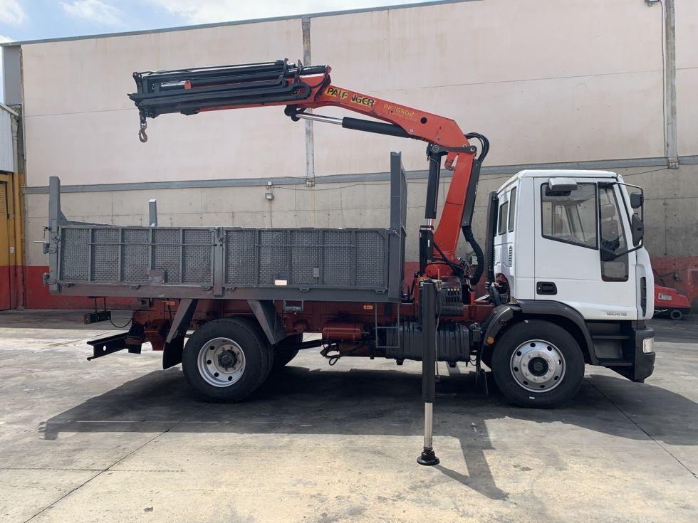 Camión grúa basculante Iveco Eurocargo Palfinger 16502