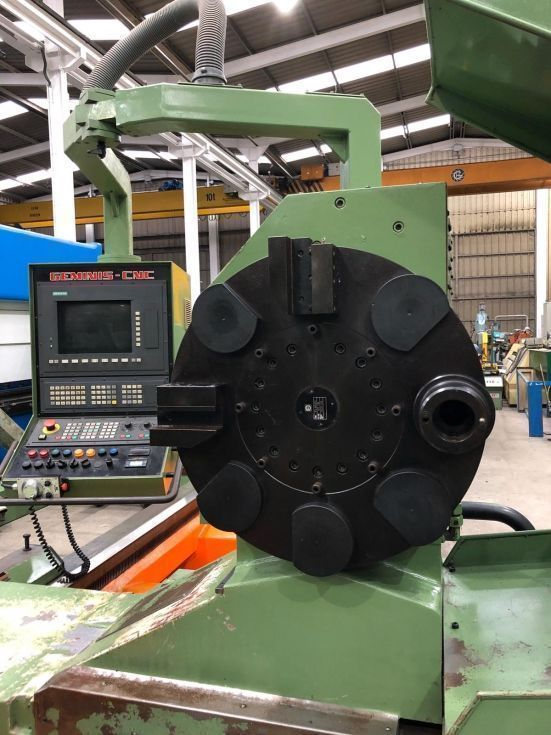Torno GEMINIS Mod. GHT9-G2 CNC de 5500 entre puntos