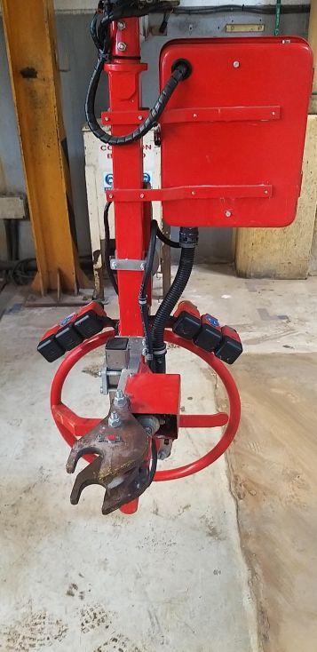 Manipulador industrial neumático con brazo articulado