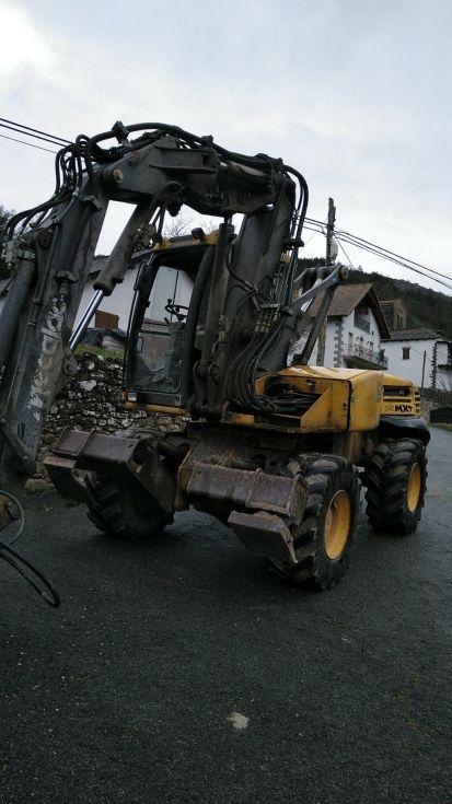 Excavadora de ruedas