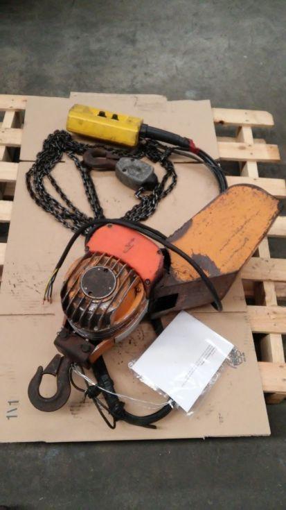 Polipasto eléctrico de cadena.