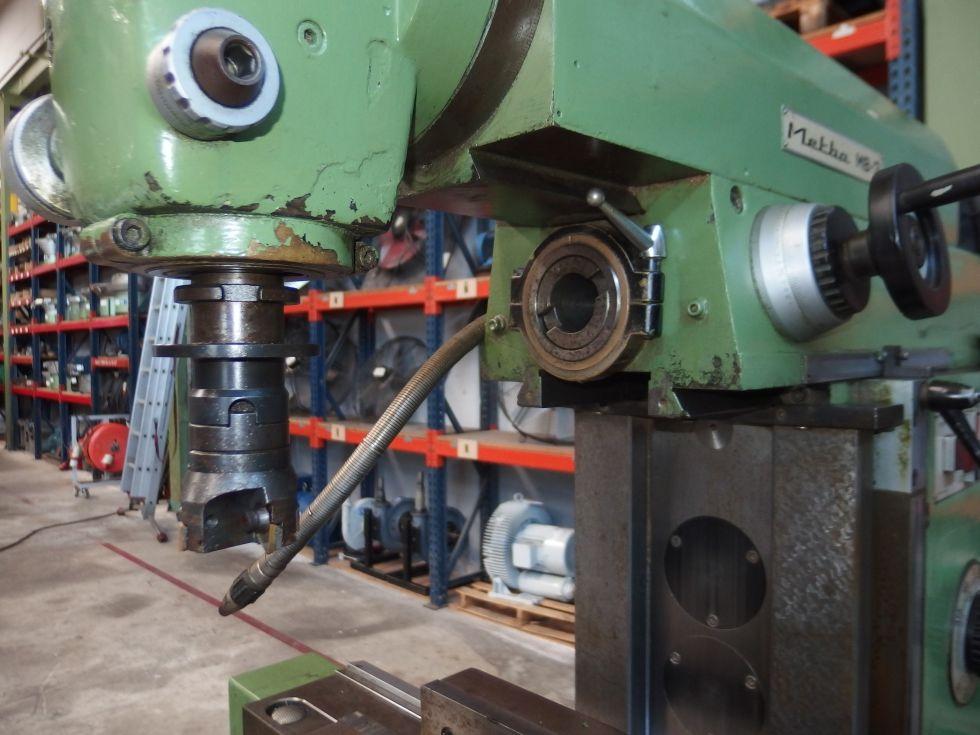 Fresadora universal de precisión 950x450 mm