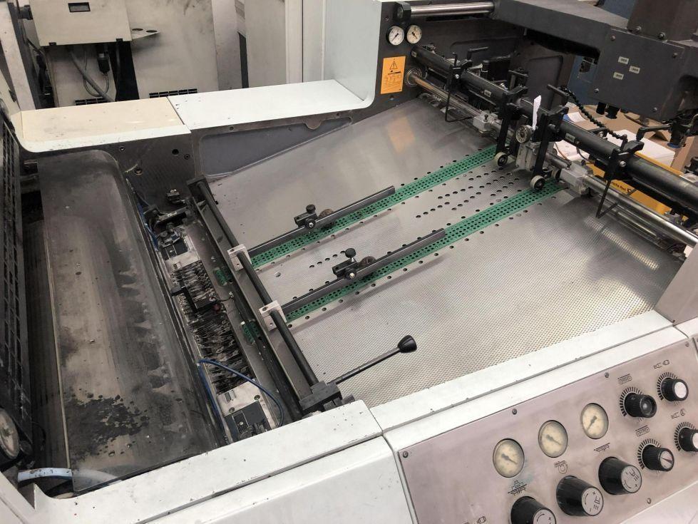 Máquina offset de hoja