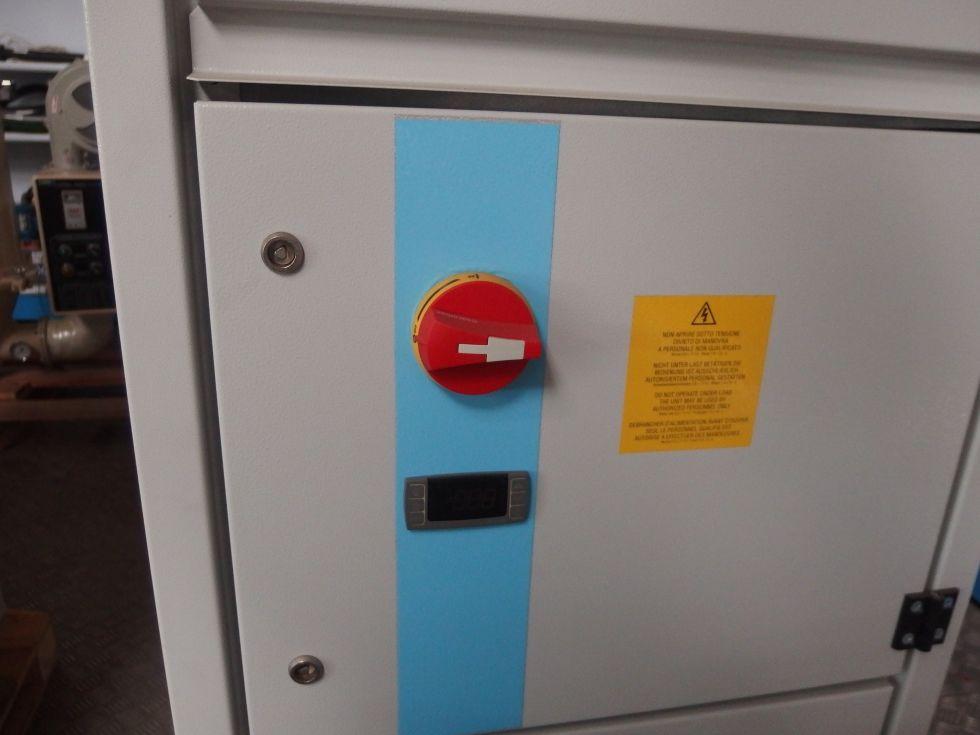 Grupo refrigeración agua 13588 frigorías/h.