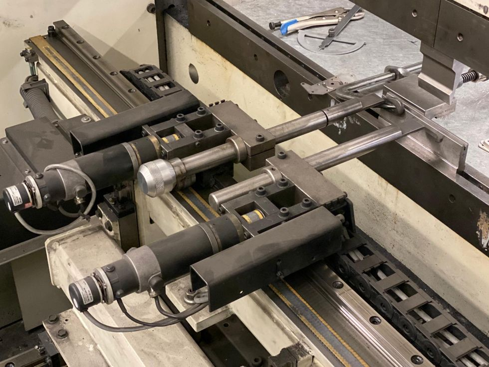 Safan SMK Servo Mechanical 1600 x 32 T Pressbrake 5196 = Mach4metal