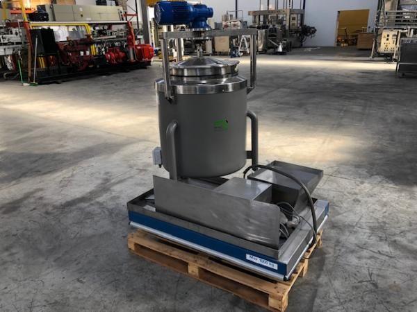 Depósito con sistema de agitación y doble cuerpo de capacidad 200 litros