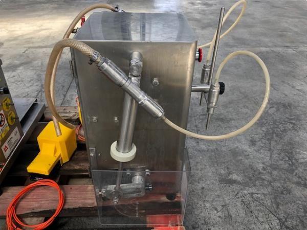 Dosificadora de líquidos de dos boquillas acero inoxidable