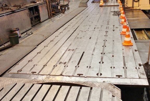Placas de piso y mesas de trabajo