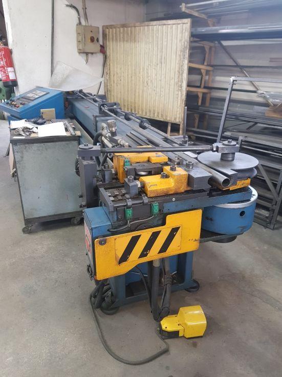 curvadora CN para tubos