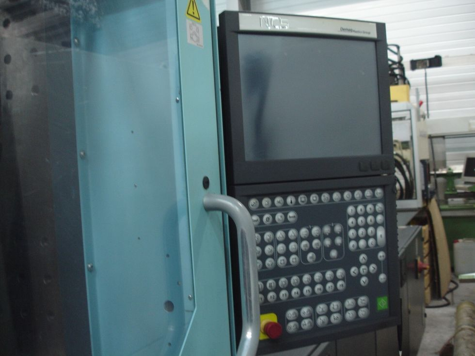 Injection moulding 350t