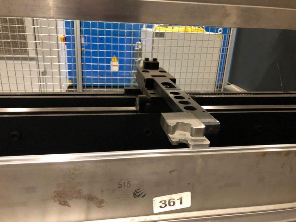 Prensa plegadora hidráulica CNC