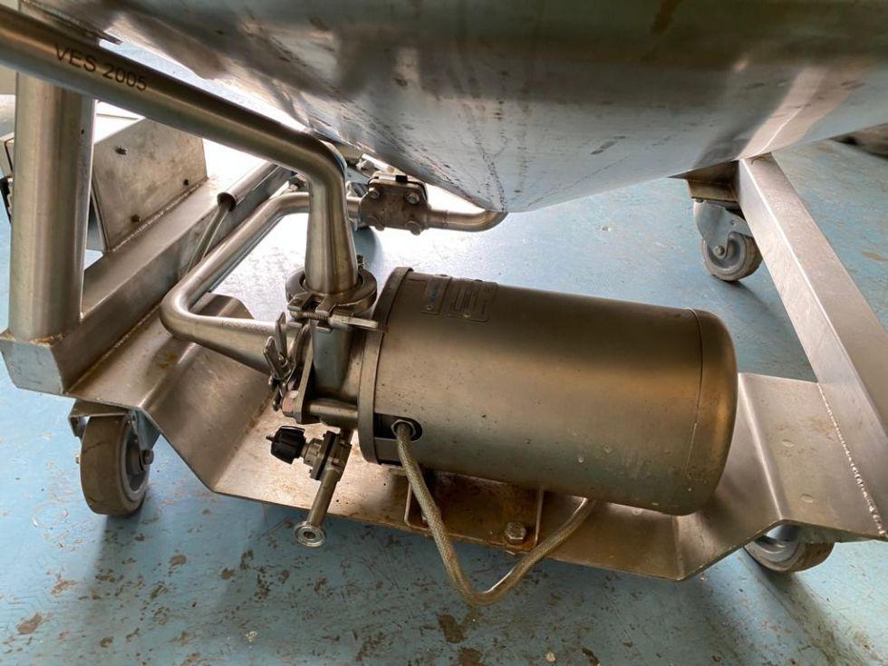 Reactor acero inoxidable 450 litros con camisa y agitacion de segunda mano