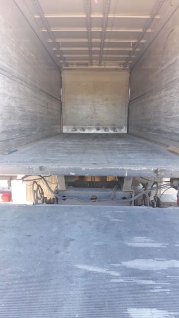 Camión caja cerrada