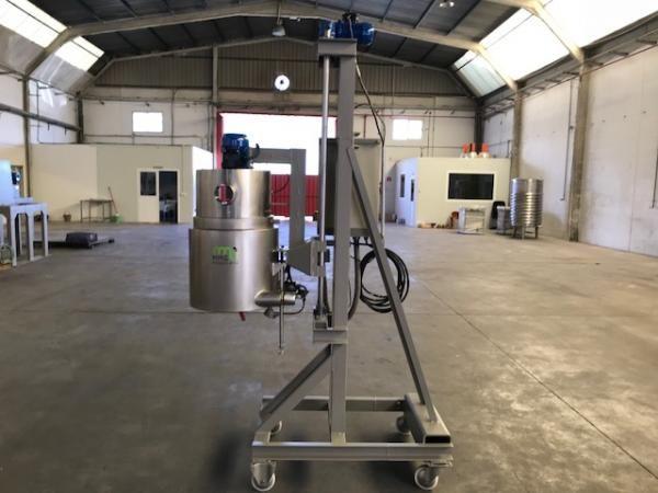 Fusora reactor en acero inoxidable con cuadro eléctrico y resistencias eléctricas capacidad 50 litro