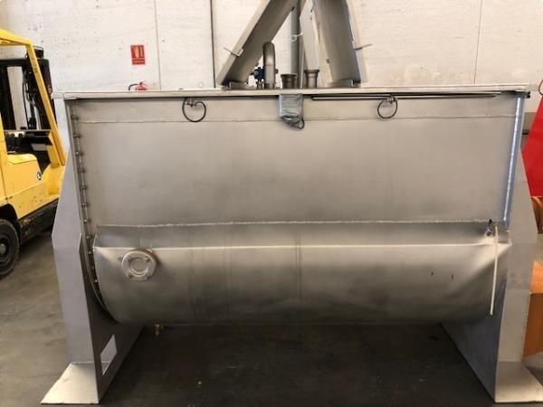Mezcladora cocedora en acero inoxidable con doble cuerpo para salsas capacidad 2.000 litros