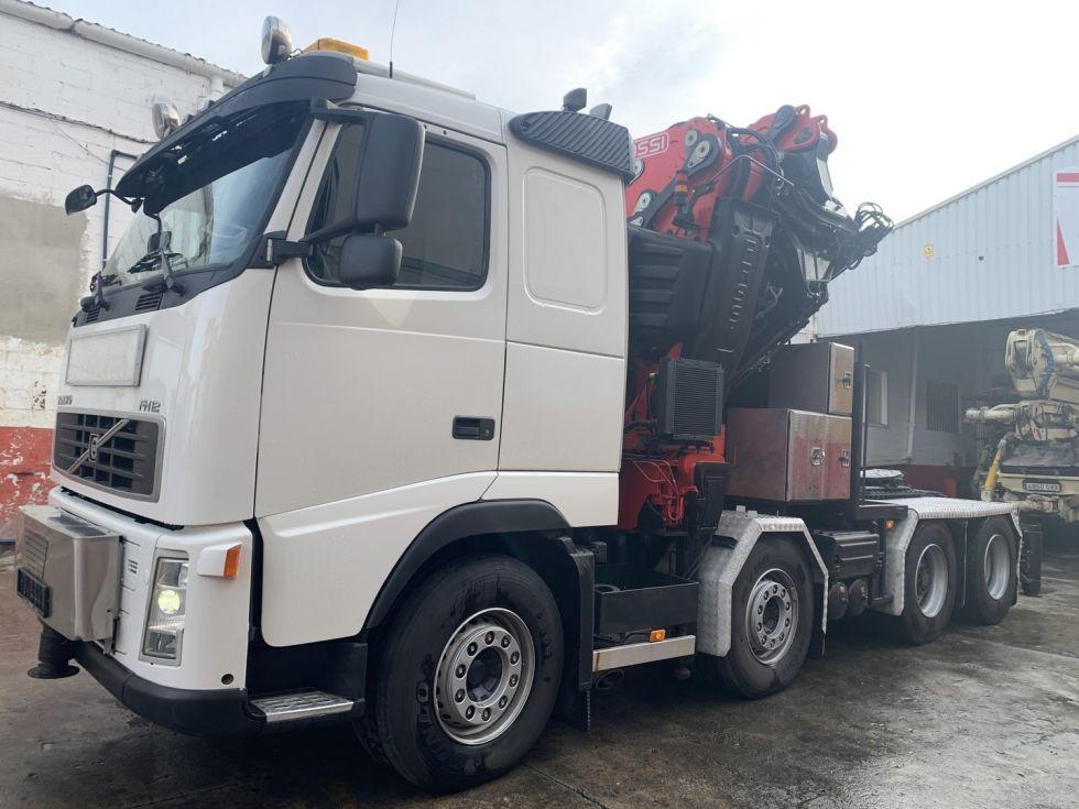 Camion tractora Volvo Fh12 grua Fassi 1100 AXP 28