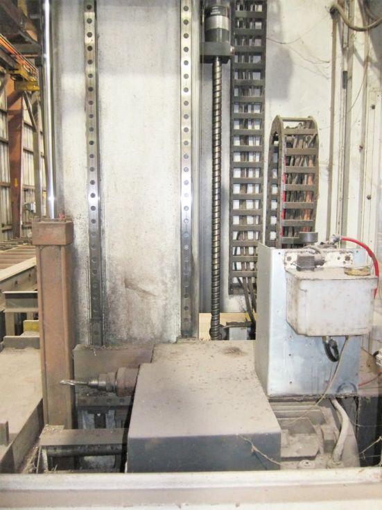 Taladro de columna móvil de husillo único CNC