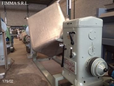 Mezclador Cubico en Inox 02 / 179 Capacidad 2.000 Litros