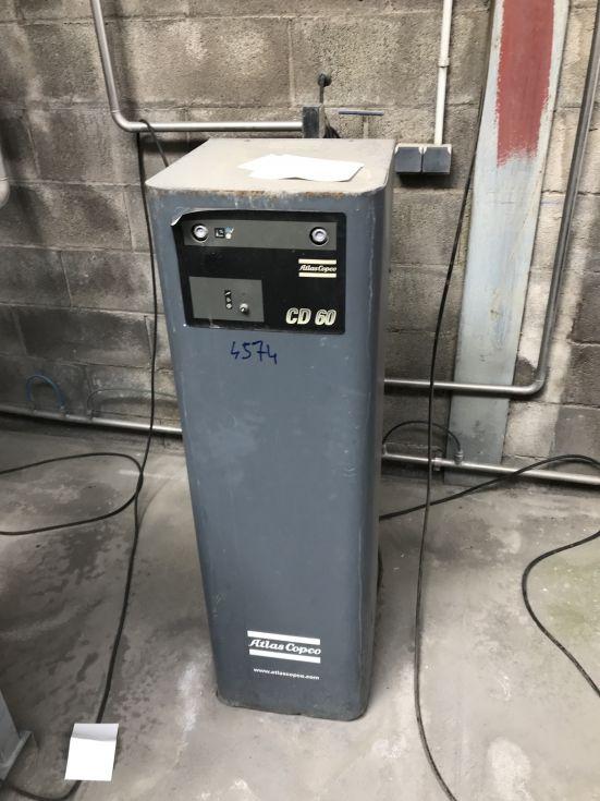 Compresor atlas copco cd100 & cd60 con deposito hierro 4.000 litros de segunda mano