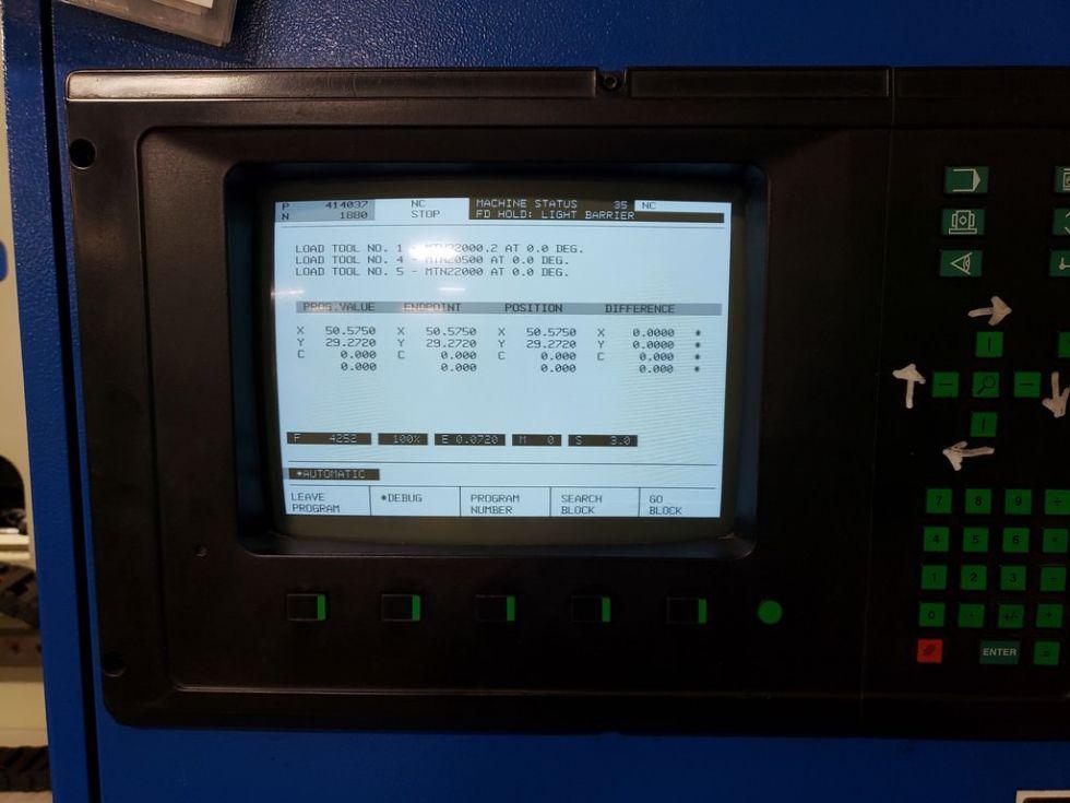 Punzonadora CNC y máquina de contornear