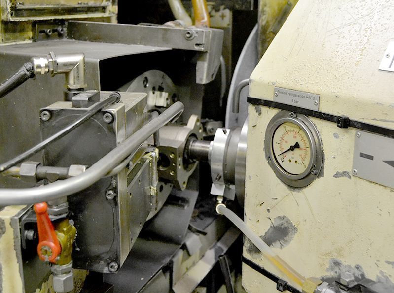 Máquina de producción para el rectificado simultáneo interior y exterior