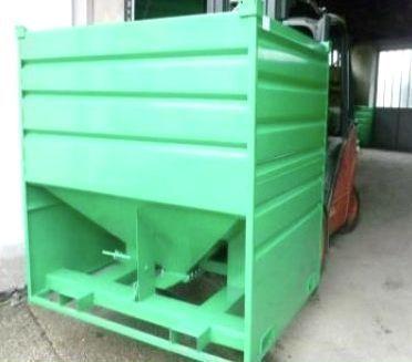 El contenedor (móvil) para almacenamiento y dosificación de grano.