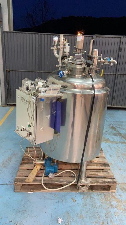 Reactor acero inoxidable 300 litros con agitacion magnetica de segunda mano