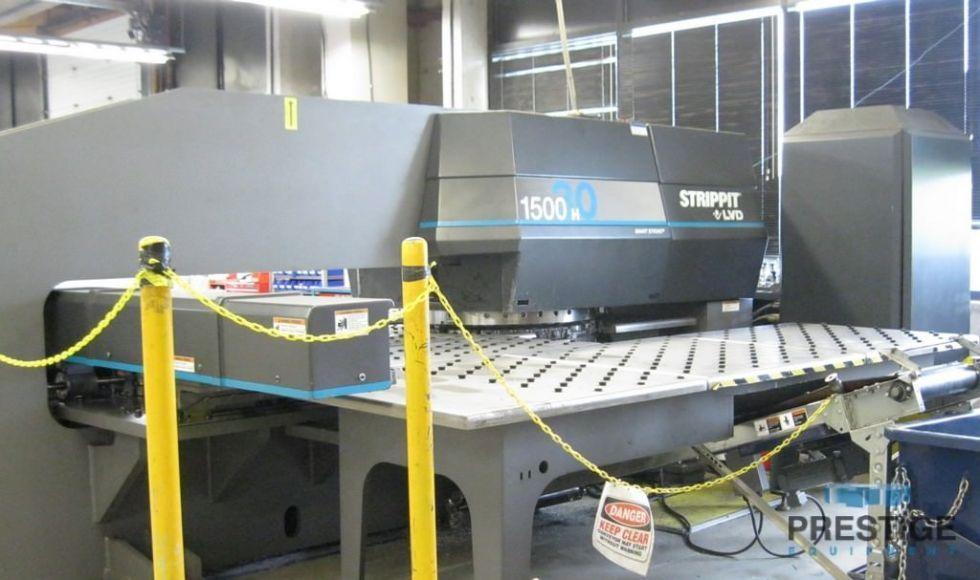 Punzonadora de torreta CNC