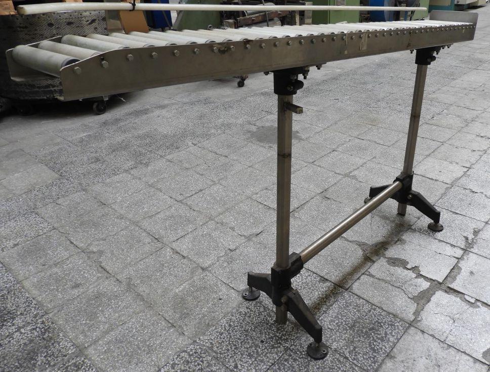 Camino de rodillos sin motorizar de dimensiones: 2000mm de longitud x 230mm de ancho útil