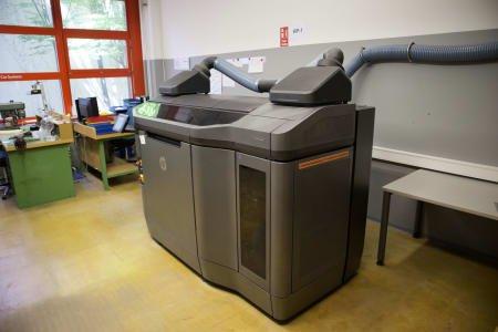 Impresora 3D HP JET FUSION 3D 4200 PRINTER