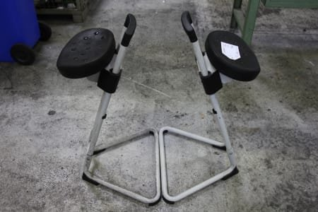 2 Seating Aids