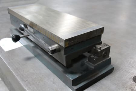 BAKKER MADAVA Manually Operated Magnetic Clamping Plate