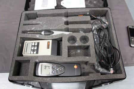 TESTO 2 Temperature Measuring Instruments