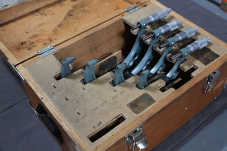 MITUTOYO 4 Outside Micrometers