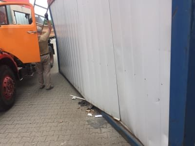 Standard Container 20   - defect