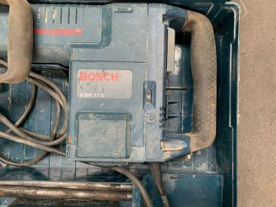 BOSCH GSH 11 E Impact Hammer in Case