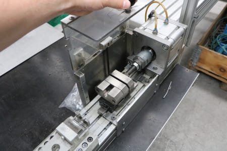 Pneumatic Mounting Device