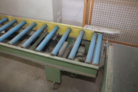Driven roller conveyor