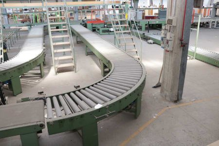 90 ° + straight driven roller conveyors