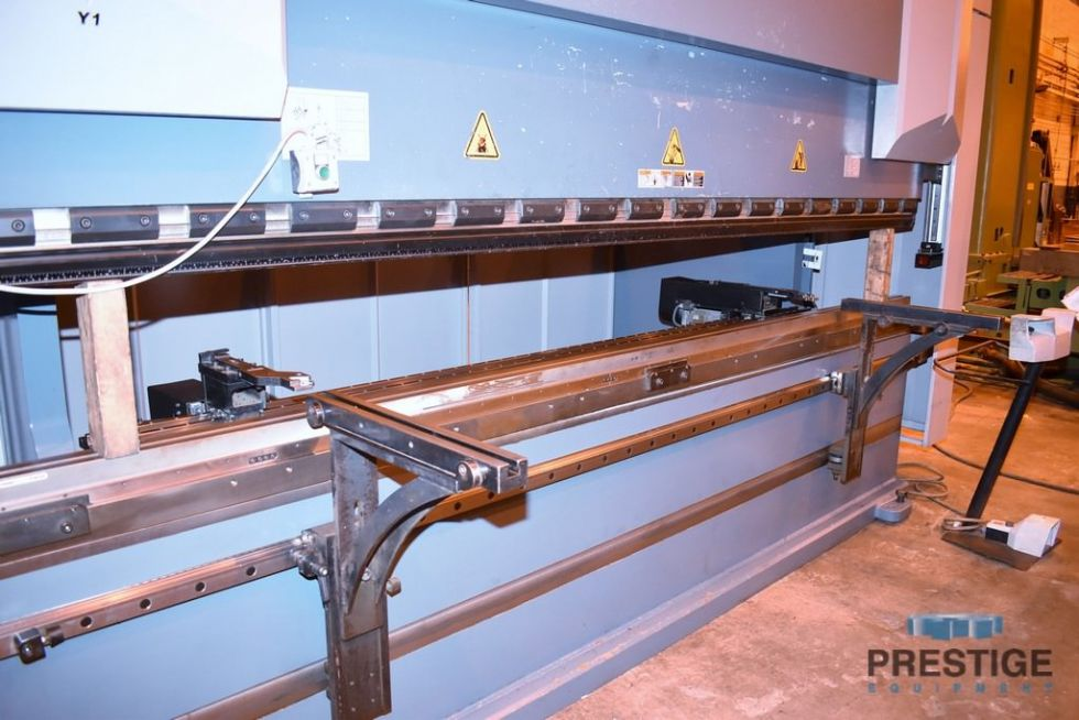 Prensa plegadora CNC