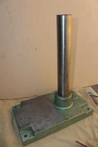 Herramienta y accesorio de mecanizado , tripod base