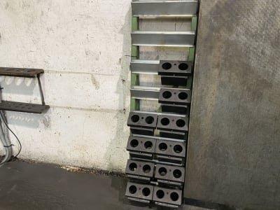 Workshop shelf for tool holders